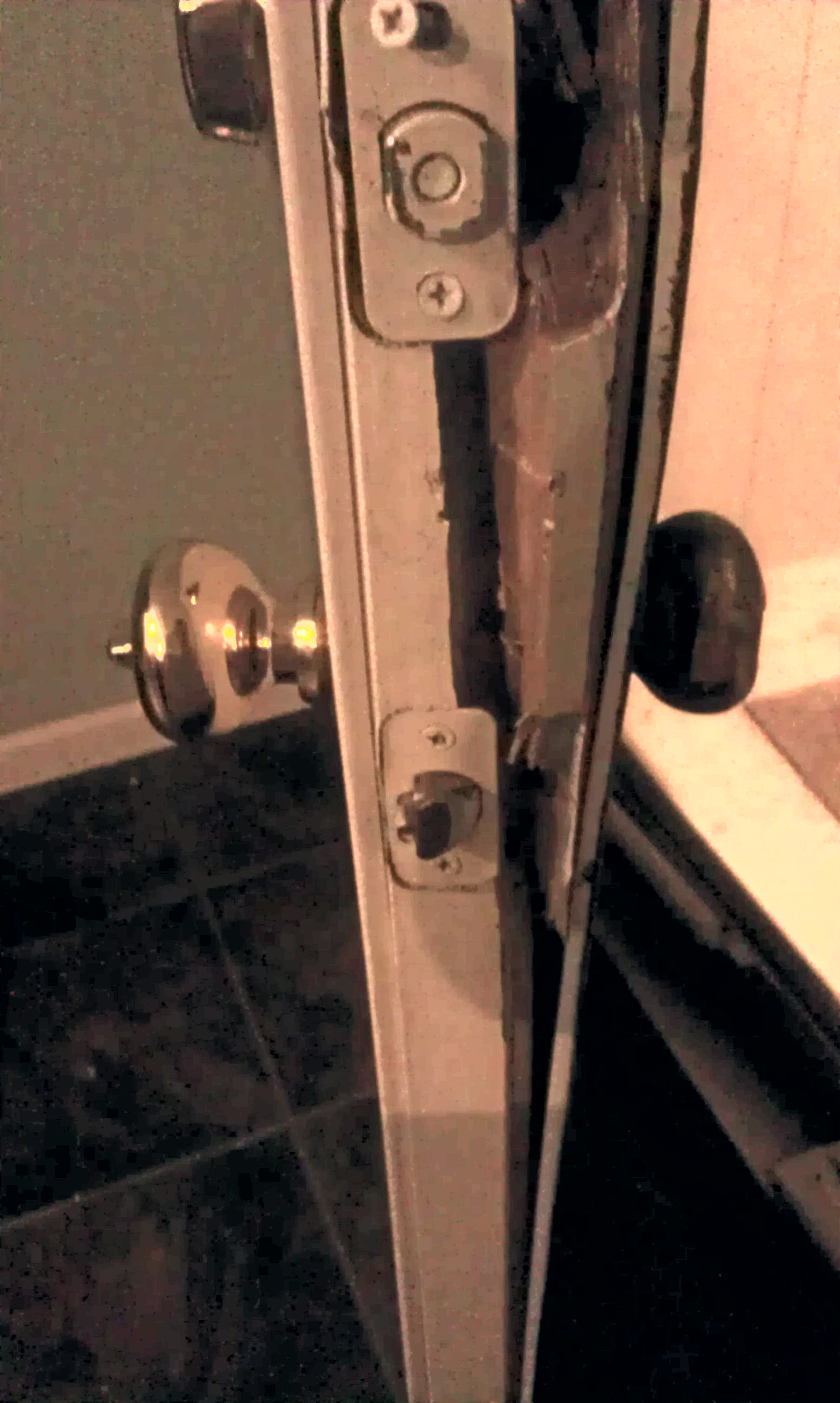 Break Door & Burglar With Crowbar Break Door To Enter The ...